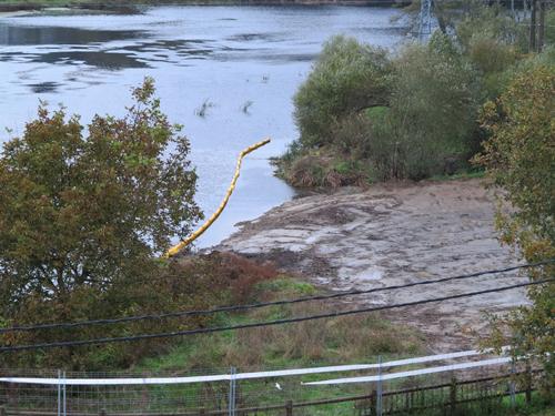 A empresa tivo que retirar a ataguía ilegal do río Miño